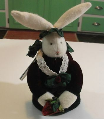 BUNNIES BY THE BAY Sweet Melody Bunny w/tag plays music 98/500 Limited Edition