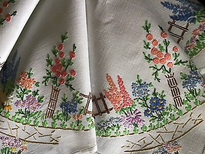 Beautiful Vintage Linen Hand Embroidered Tablecloth ~ Country Cottage Garden