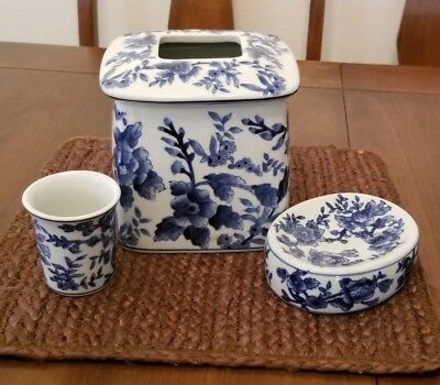 Vintage Silvestri Chinese Blue White Porcelain Tissue Box Cover Bathroom Set