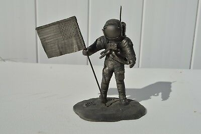 """wonderful Pewter Figurine Neil Armstrong """" The Astronaut """" Franklin Mint in1976"""
