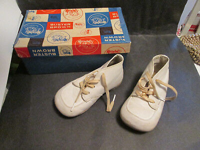 Vintage Buster Brown baby shoes Size 4 with unmatched box