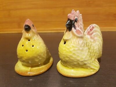 Darbyshire Australian Pottery Rooster and Hen Chicken Salt and Pepper Shakers