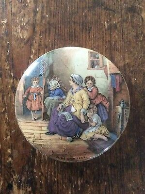 Antique Prattware pot lid – HIDE AND SEEK (B)