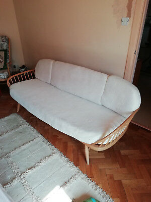 Ercol Day Bed / Sofa / Couch in Lovely Good Condition 1960's