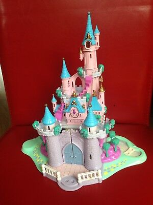 Polly Pocket - Cinderella Enchanted Castle Disney 1995 with lights and figures