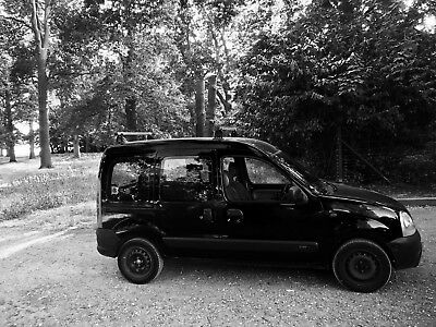 Renault Kangoo 5 seat, 5 door, estate car, passenger mini van