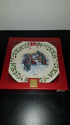 LENOX 2001 11th Annual Holiday Collector Plate, Santa Parade in Box MINT LQQK