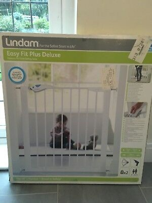 Lindam pressure fitted, adjustable, single white baby gate - boxed and unused