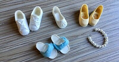 Sindy Doll - Shoes, running shoes, slippers, pearl necklace