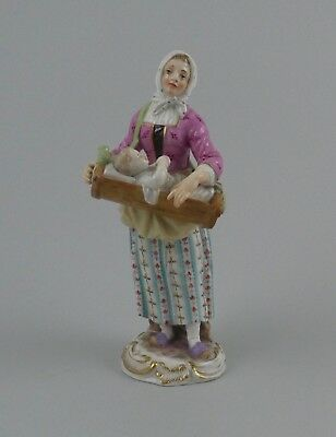 Meissen porcelain mother and child. 'Cries de Paris', c. 1870.