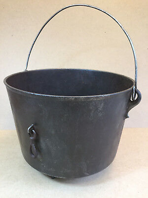 Vintage Antique Cast Iron Pot #9 3 Legs Footed Handle Side Ring Cowboy Kettle