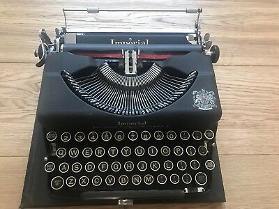 Vintage Retro Imperial Typewriter The Good Companion  Model T - 1942 Collectable