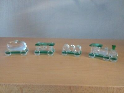 Gorgeous Miniature Crystal Train plus 3 Carriages Boxed Perfect Gift