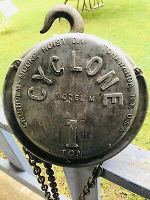 Vintage Chisholm - Moore Cyclone Model M 1  Ton Chain Hoist Made USA