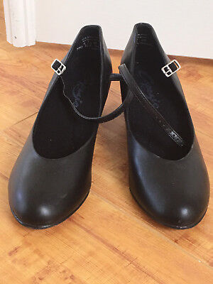 Gently Used Capezio 550 Character SHOES BLACK Jr. Footlight ladies Size 8.5 M.