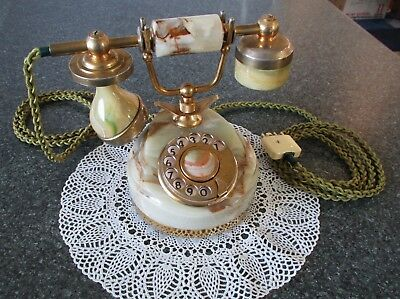 Attractive Telecom Australia antique style dial telephone 'Minette Marble' phone