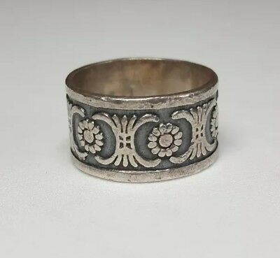 VINTAGE ART DECO STYLE STERLING SILVER BAND RING Sz 9