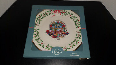 LENOX 5th Annual Holiday Collector Plate  1995 TOY STORE with Box MINT