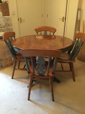 Farmhouse Solid Table With 4 Chairs