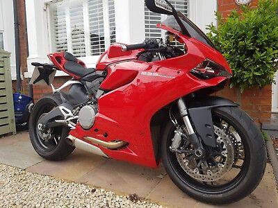 Ducati Panigale 899 - Only 706 miles from new !