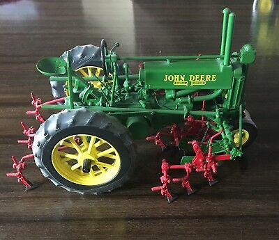 John Deere ERTL 1/16 SCALE PRECISION MODEL A TRACTOR WITH 290 SERIES CULTIVATOR