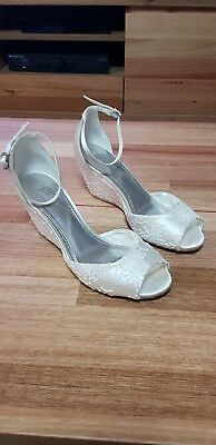 Monsoon Amber Lace Bridal Wedge Size 7