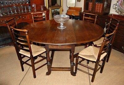 Good Late C17 Oak Gateleg Table of a Large Size, 8 Seater