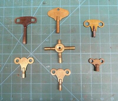 Job Lot Of Assorted Clock Keys.