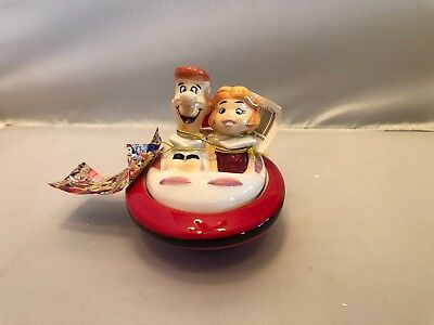 Westland The Jetsons George And Judy In Ship Salt And pepper Shakers