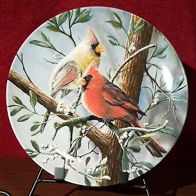 """Knowles China """"The Cardinal""""  Collectors Plate,.  Birds of Your Garden series"""
