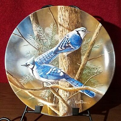 """Knowles China """"The Blue Jay"""" Collectors Plate Birds of Your Garden collection"""