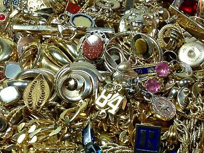 758g. LOT OF UNTESTED GOLD PLATE/FILLED/GOLD-TONE JEWELRY FOR SCRAP/PARTS (MP12)