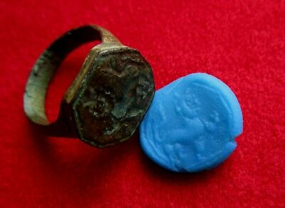 Medieval period BRONZE STAMP RING - LION ENGRAVED