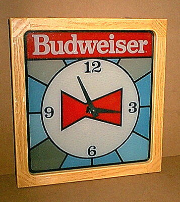 Original Vintage BUDWEISER Beer AC operated bar / man cave WALL CLOCK - works