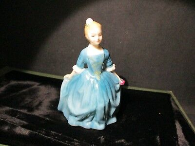 Royal Doulton Figurine A CHILD FROM WILLIAMSPORT HN 2154 Made in England W182 QQ