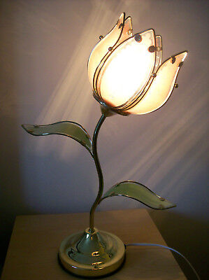 PRETTY 1970's  TABLE OR BEDSIDE LAMP, PINK BUD DESIGN WITH GLASS PETALS