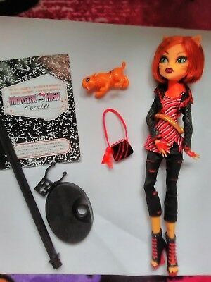 Monster high dolls Toralei 1 st wave complete