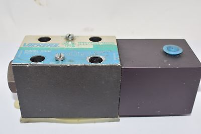 Vickers Eaton DG18V-3-2BL-P-60 Directional Control Valve Pilot Actuation, 4-Way,