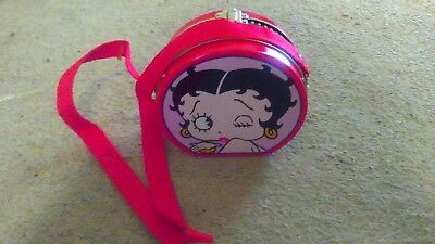Round Betty Boop Metal Lunchbox With Shoulder Strap