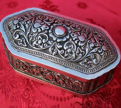 GORGEOUS ANTIQUE 19th C. STERLING SILVER REPOUSSE TRINKET/ VANITY BOX - 184.1 g.