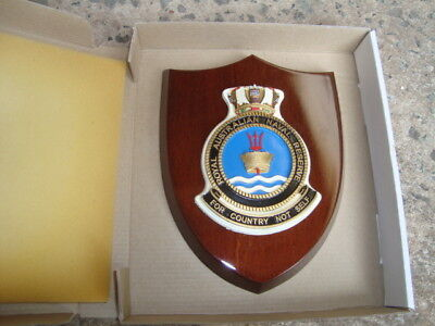 "Naval Crest ""ROYAL AUSTRALIAN NAVAL RESERVE"" mounted on Wooden Shield FREE POST"