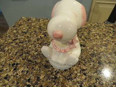 Vintage Peanuts Snoopy Pink Baby Music Box Schmid Ceramic Nice Condition