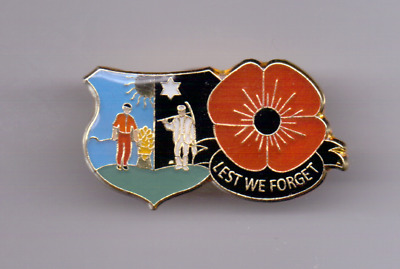 """Tranent East Lothian Scotland Poppy Badge Pin """"Lest We Forget"""" New in Packet"""