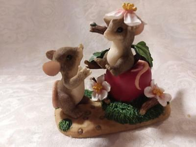 Charming Tails,Limited Edition 2000,You're the Apple of My Eye Figurine, NO box.