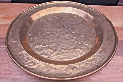 Stunning Very Large Arts And Crafts Brass Charger 48Cm Diameter Serving Tray