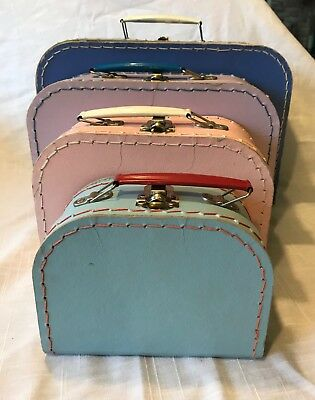 Vintage Set of 4 NESTING TOY Doll SUITCASES Trunks LATCH Closure EUC