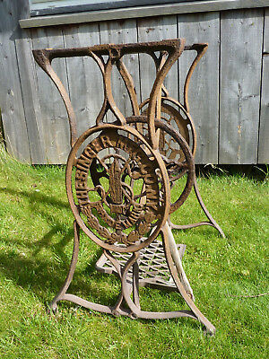 Singer Sewing Machine Treadle Base Only. Vintage Cast Iron.Ideal table upcycle