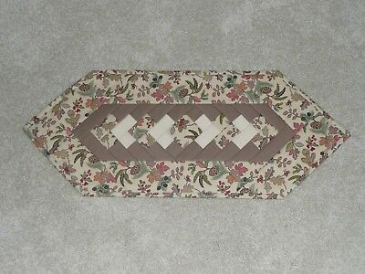 Handmade Quilt table runner, Longaberger Autumn Path, Fall Leaves, Acorns, Brown