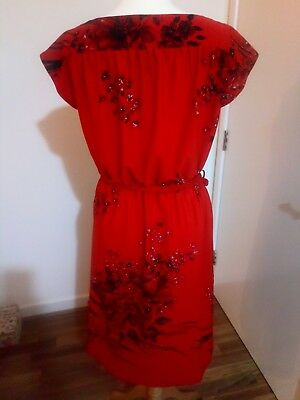 Red 70s Vintage Flowered Dress 12