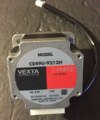 ***New*** Vexta Model C049U-9212H 2 Phase 1.4a Stepping Motor